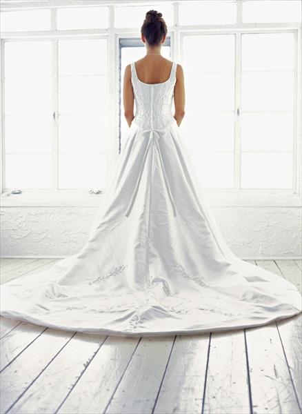 bride_away_800